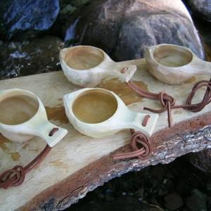 Bilde av 4 stk drammeglass av tre i gaveeske